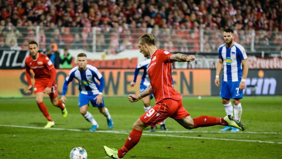 Gleich wird er zum Derby-Held: Polter beim Elfmeter zum 1:0 gegen die Hertha in der Hinrunde