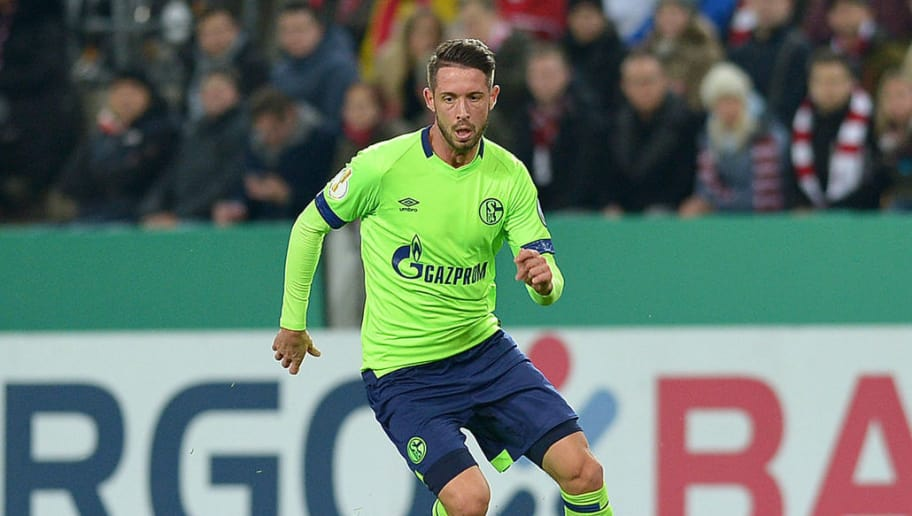 COLOGNE, GERMANY - OCTOBER 31: Mark Uth of FC Schalke controls the ball during the DFB Cup match between 1. FC Koeln and FC Schalke 04 at RheinEnergieStadion on October 31, 2018 in Cologne, Germany. (Photo by TF-Images/Getty Images)
