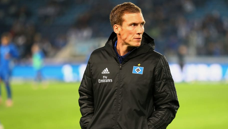 MAGDEBURG, GERMANY - OCTOBER 26:  Hannes Wolf, Head Coach of Hamburger SV looks on prior to the Second Bundesliga match between 1. FC Magdeburg and Hamburger SV at MDCC Arena on October 26, 2018 in Magdeburg, Germany. (Photo by Martin Rose/Bongarts/Getty Images)