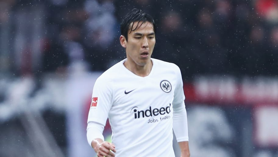 NUREMBERG, GERMANY - OCTOBER 28:  Makoto Hasebe of Frankfurt controls the ball during the Bundesliga match between 1. FC Nuernberg and Eintracht Frankfurt at Max-Morlock-Stadion on October 28, 2018 in Nuremberg, Germany.  (Photo by Alex Grimm/Bongarts/Getty Images)