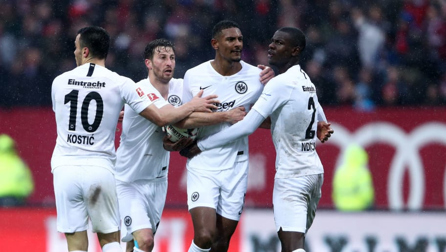 NUREMBERG, GERMANY - OCTOBER 28:  Sebastien Haller of Eintracht Frankfurt celebrates with teammates after scoring his team's first goal during the Bundesliga match between 1. FC Nuernberg and Eintracht Frankfurt at Max-Morlock-Stadion on October 28, 2018 in Nuremberg, Germany.  (Photo by Alex Grimm/Bongarts/Getty Images)