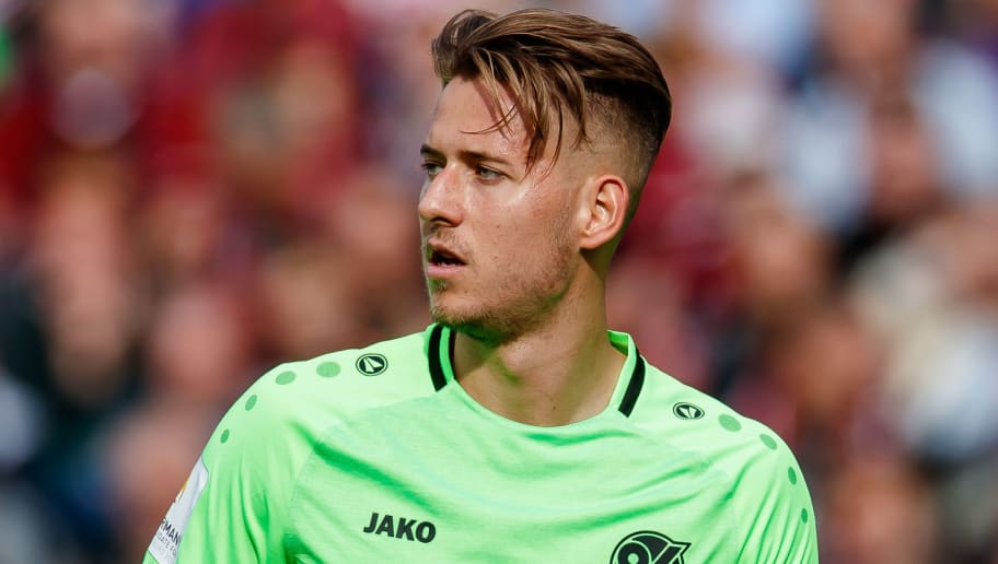 NUREMBERG, GERMANY - SEPTEMBER 22: Waldemar Anton of Hannover looks on during the Bundesliga match between 1. FC Nuernberg and Hannover 96 at Max-Morlock-Stadion on September 22, 2018 in Nuremberg, Germany. (Photo by TF-Images/Getty Images)