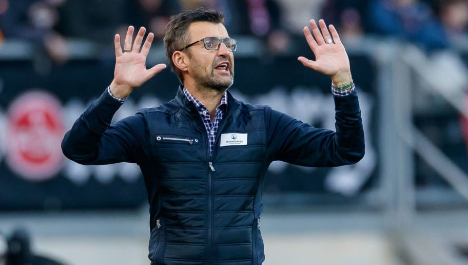 NUREMBERG, GERMANY - NOVEMBER 10: head coach Michael Koellner of 1. FC Nuernberg gestures during the Bundesliga match between 1. FC Nuernberg and VfB Stuttgart at Max-Morlock-Stadion on November 10, 2018 in Nuremberg, Germany. (Photo by TF-Images/Getty Images)