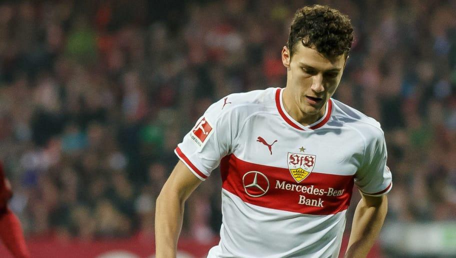 Benjamin Pavard firma con el Bayern Múnich