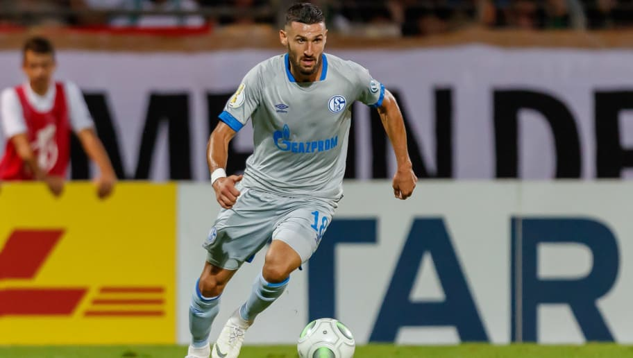 SCHWEINFURT, GERMANY - AUGUST 17: Daniel Caligiuri of Schalke controls the ball during the DFB Cup first round match between 1. FC Schweinfurt 04 and FC Schalke 04 at Willy-Sachs-Stadion on August 17, 2018 in Schweinfurt, Germany. (Photo by TF-Images/Getty Images)