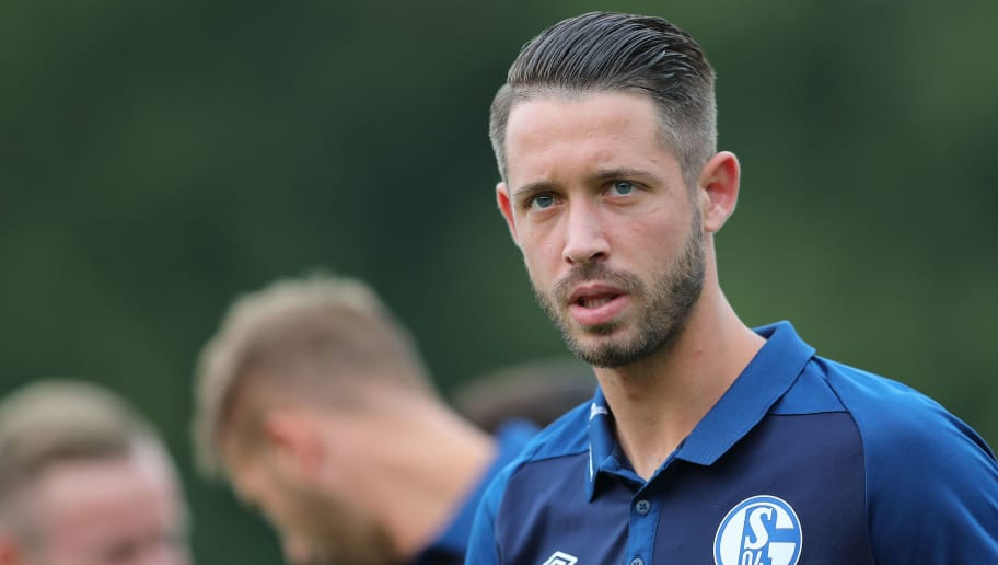 SCHWEINFURT, GERMANY - AUGUST 17: Marc Uth of Schalke 04 looks on during the first round match of DFB Cup between 1. FC Schweinfurt 05 and FC Schalke 04 at Willy-Sachs-Stadion on August 17, 2018 in Schweinfurt, Germany. (Photo by Christian Kaspar-Bartke/Bongarts/Getty Images)