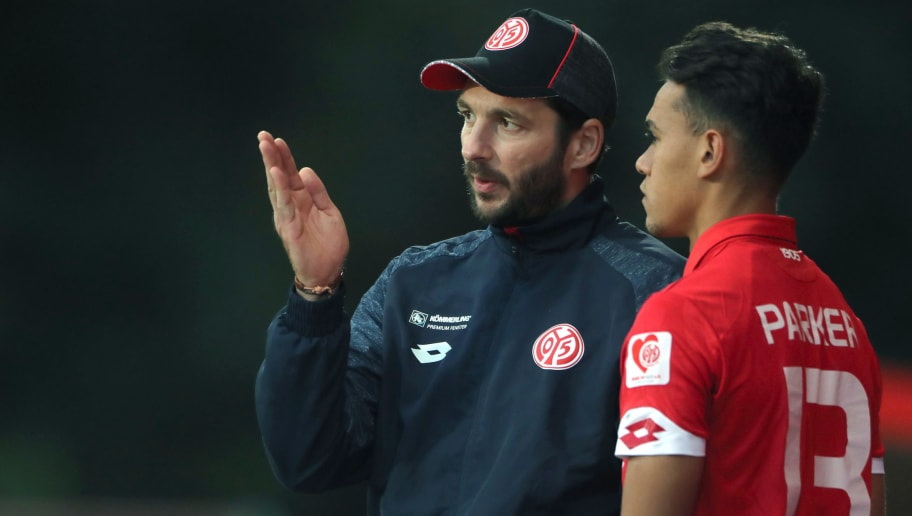 MAINZ, GERMANY - AUGUST 10: coach Sandro Schwarz and Devante Parker of FSV Mainz 05 II during the Third League match between 1.FSV Mainz 05 II and VFL Osnabrueck at Bruchweg Stadium on August 10, 2016 in Mainz, Germany. (Photo by Andreas Schlichter/Bongarts/Getty Images)