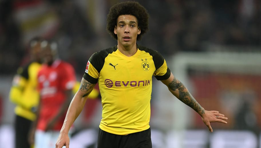 MAINZ, GERMANY - NOVEMBER 24: Axel Witsel of Dortmund gestures during the Bundesliga match between 1. FSV Mainz 05 and Borussia Dortmund at Opel Arena on November 24, 2018 in Mainz, Germany. (Photo by Matthias Hangst/Bongarts/Getty Images)