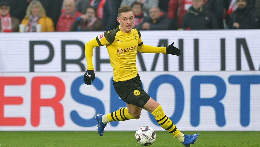 MAINZ, GERMANY - NOVEMBER 24: Jacob Bruun Larsen of Borussia Dortmund controls the ball during the Bundesliga match between 1. FSV Mainz 05 and Borussia Dortmund at Opel Arena on November 24, 2018 in Mainz, Germany. (Photo by TF-Images/Getty Images)