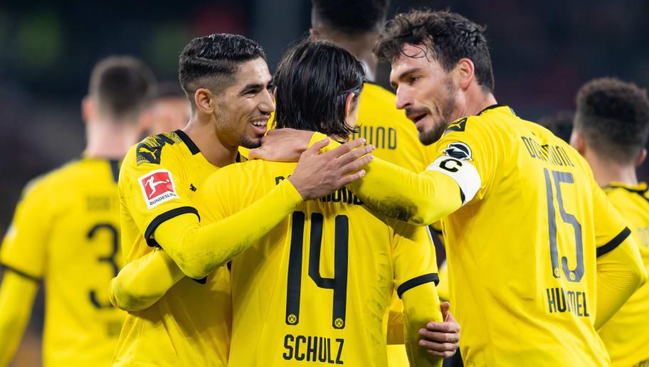 Borussia Dortmund feiert die Dreierkette - Zagadou-Assist sorgt für Staunen