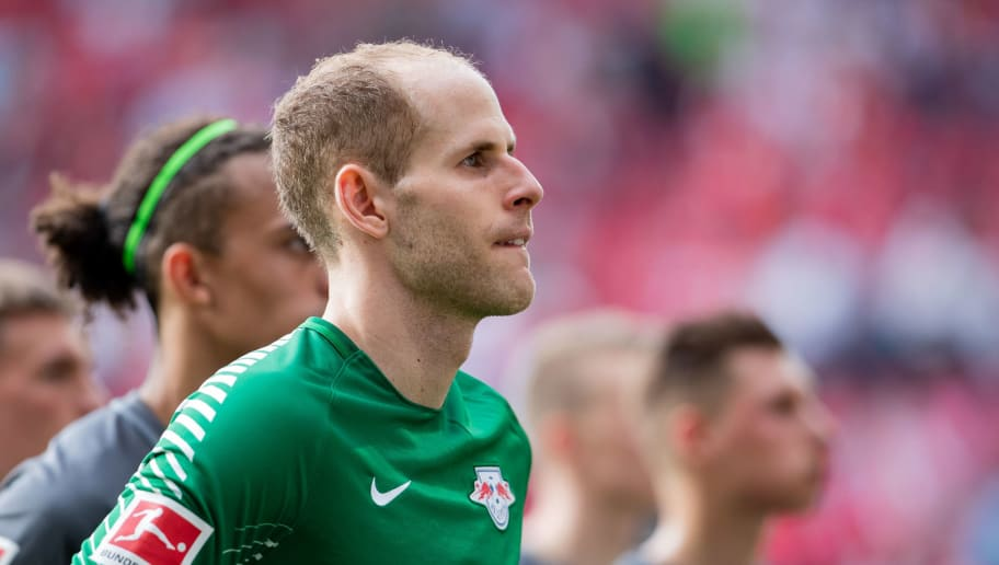 MAINZ, GERMANY - APRIL 29: Goalkeeper Peter Gulacsi of Leipzig reacts during the Bundesliga match between 1. FSV Mainz 05 and RB Leipzig at Opel Arena on April 28, 2018 in Mainz, Germany. (Photo by Simon Hofmann/Bongarts/Getty Images)