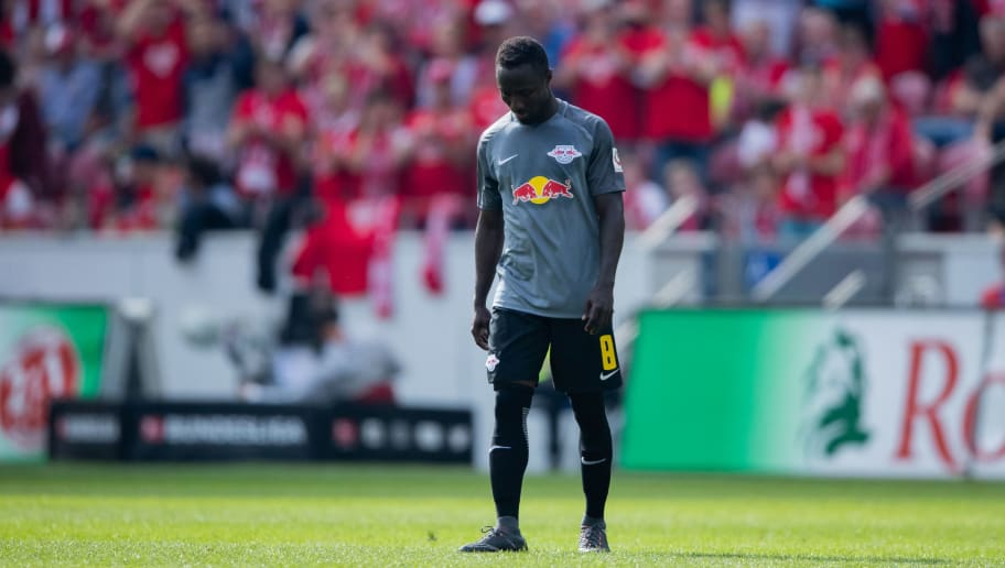 MAINZ, GERMANY - APRIL 29: Naby Keita of Leipzig reacts during the Bundesliga match between 1. FSV Mainz 05 and RB Leipzig at Opel Arena on April 28, 2018 in Mainz, Germany. (Photo by Simon Hofmann/Bongarts/Getty Images)