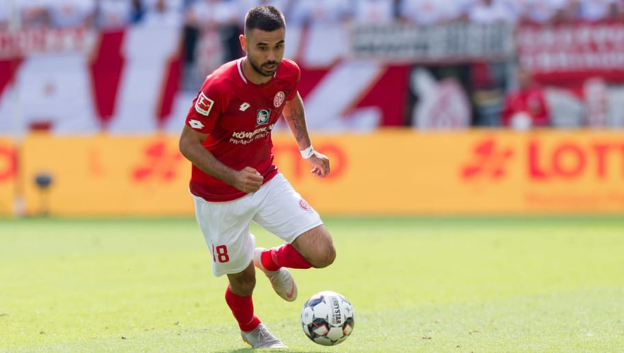 MAINZ, GERMANY - AUGUST 26: Gerrit Holtmann of Mainz controls the ball during the Bundesliga match between 1. FSV Mainz 05 and VfB Stuttgart at Opel Arena on August 26, 2018 in Mainz, Germany. (Photo by TF-Images/Getty Images)