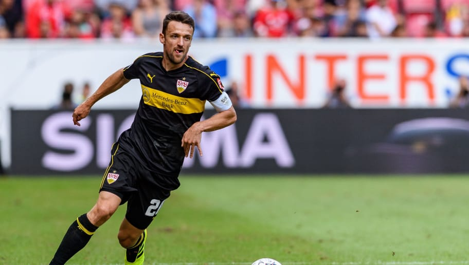 MAINZ, GERMANY - AUGUST 26: Christian Gentner of Stuttgart in action during the Bundesliga match between 1. FSV Mainz 05 and VfB Stuttgart at Opel Arena on August 26, 2018 in Mainz, Germany. (Photo by Alexander Scheuber/Bongarts/Getty Images)