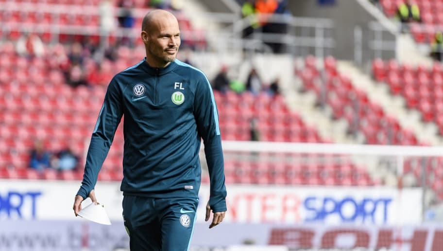 MAINZ, GERMANY - MARCH 04: Assistant coach Fredrik Ljungberg of Wolfsburg is seen during the Bundesliga match between 1. FSV Mainz 05 and VfL Wolfsburg at Opel Arena on March 4, 2017 in Mainz, Germany. (Photo by Alexander Scheuber/Bongarts/Getty Images)