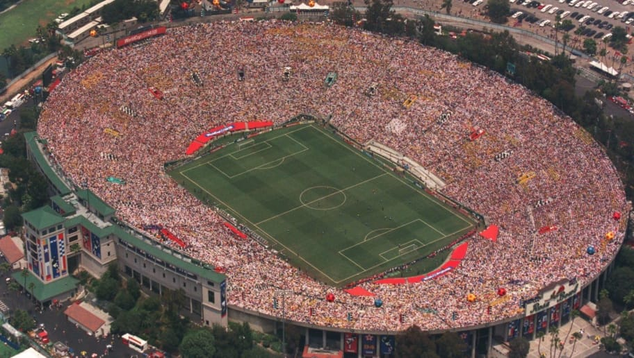 17 JUN 1994:  AN AERIAL VIEW OF THE ROSE BOWL IN PASADENA, CALIFORNIA DURING THE 1994 WORLD CUP FINAL IN PASADENA, CALIFORNIA. Mandatory Credit: Mike Powell/ALLSPORT
