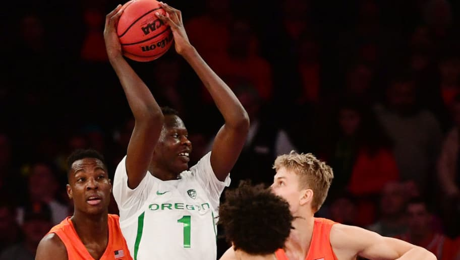 NEW YORK, NEW YORK - NOVEMBER 16: Bol Bol #1 of the Oregon Ducks gets a rebound in the first half of the game against Syracuse Orange during the 2k Empire Classic at Madison Square Garden on November 16, 2018 in New York City. (Photo by Sarah Stier/Getty Images)