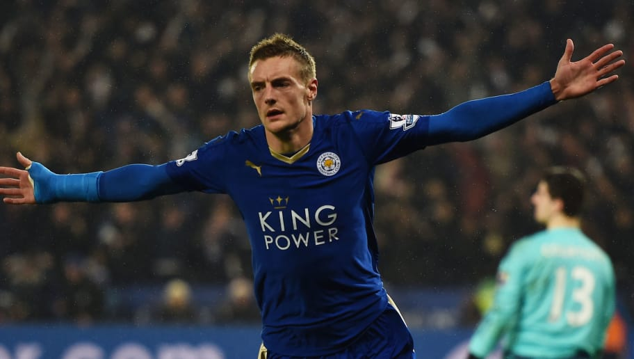 LEICESTER, ENGLAND - DECEMBER 14:  Jamie Vardy of Leicester City celebrates after scoring the opening goal during the Barclays Premier League match between Leicester City and Chelsea at the King Power Stadium on December14, 2015 in Leicester, United Kingdom.  (Photo by Laurence Griffiths/Getty Images)