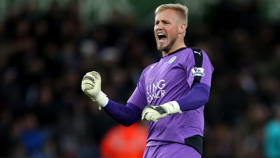 SWANSEA, WALES - DECEMBER 05: Kasper Schmeichel of Leicester City celebrates his team's second goal during the Barclays Premier League match between Swansea City and Leicester City at Liberty Stadium on December 5, 2015 in Swansea, Wales.  (Photo by Ben Hoskins/Getty Images)
