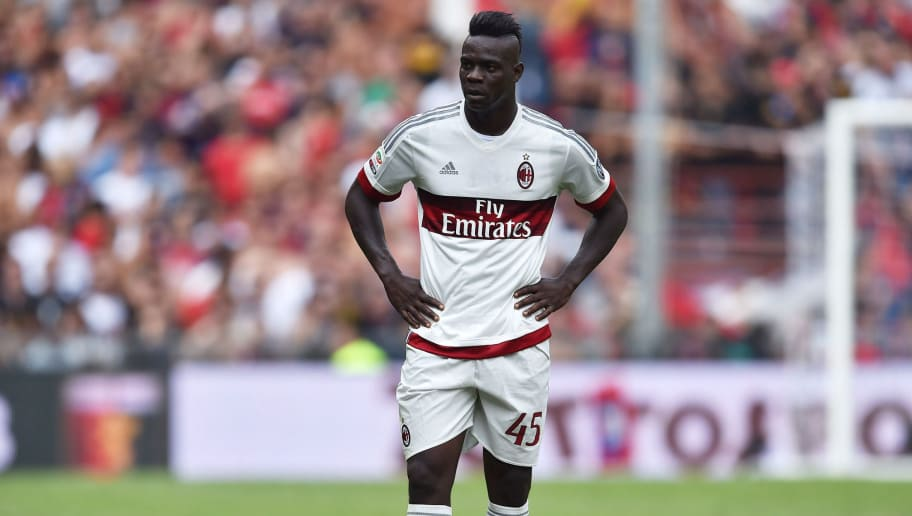 GENOA, ITALY - SEPTEMBER 27:  Mario Balotelli of AC Milan looks dejected during the Serie A match between Genoa CFC and AC Milan at Stadio Luigi Ferraris on September 27, 2015 in Genoa, Italy.  (Photo by Valerio Pennicino/Getty Images)