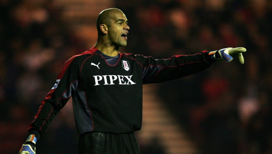 MIDDLESBROUGH, UNITED KINGDOM - NOVEMBER 20: Tony Warner of Fulham in action during the Barclays Premiership match between Middlesbrough and Fulham on November 20, 2005 at The Riverside Stadium in Middlesbrough, England.  (Photo by Laurence Griffiths/Getty Images)
