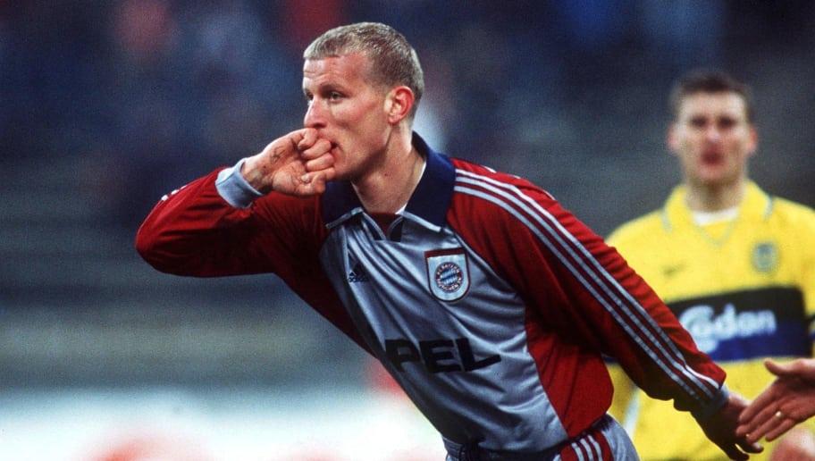 MUNICH, GERMANY - NOVEMBER 25:  CHAMPIONS LEAGUE 98/99 Muenchen; FC BAYERN MUENCHEN - BROENDBY KOPENHAGEN 2:0; 1:0 Jubel Carsten JANCKER/BAYERN  (Photo by Martin Rose/Bongarts/Getty Images)