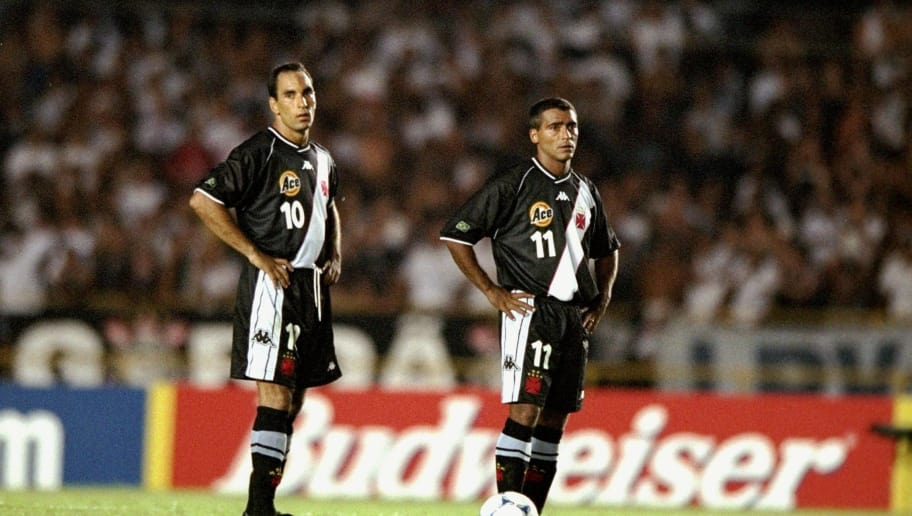 14 Jan 2000:  Edmundo (#10) and Romario (#11) of Vasco de Gama wait to kick-off during the Final of the World Club Championship against Corinthians played at the Maracana Stadium in Rio de Janeiro, Brazil. Corinthians went on to lift the trophy after winning 4-3 on penalties after extra time had ended goalless.  \ Mandatory Credit: Shaun Botterill /Allsport