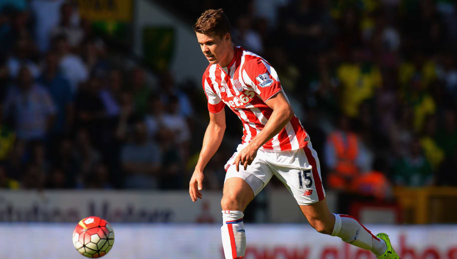NORWICH, ENGLAND - AUGUST 22:  Marco Van Ginkel of Stoke City during the Barclays Premier League match between Norwich City and Stoke City at Carrow Road on August 22, 2015 in Norwich, United Kingdom.  (Photo by Tony Marshall/Getty Images)