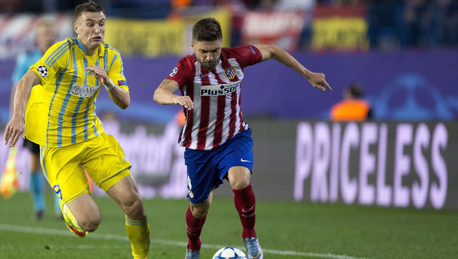MADRID, SPAIN - OCTOBER 21:  Guilherme Madalena Siqueira (R) of Atletico de Madrid competes for the ball with Aleksei Schetkin (L) of FC Astana during the UEFA Champions League Group C match between Club Atletico de Madrid and FC Astana at Vicente Calderon stadium on October 21, 2015 in Madrid, Spain.  (Photo by Gonzalo Arroyo Moreno/Getty Images)