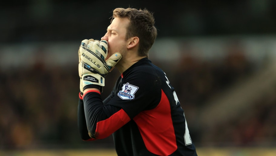 NORWICH, ENGLAND - JANUARY 23:  Simon Mignolet of Liverpool during the Barclays Premier League match between Norwich City and Liverpool at Carrow Road stadium on January 23, 2016 in Norwich, England. (Photo by Stephen Pond/Getty Images)