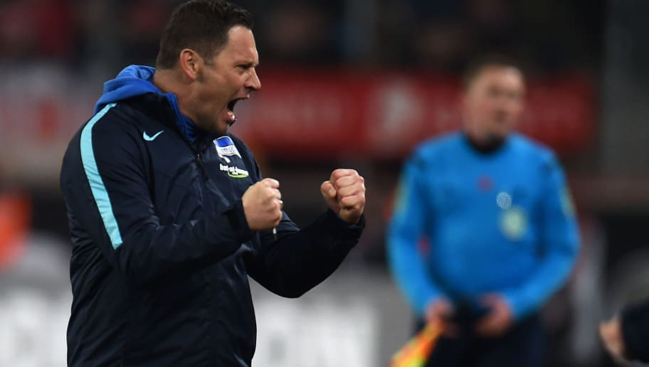 Hertha's Hungarian head coach Pal Dardai reacts during the German first division Bundesliga football match 1 FC Cologne vs Hertha Berlin in Cologne, western Germany, on February 26, 2016.    / AFP / PATRIK STOLLARZ / RESTRICTIONS: DURING MATCH TIME: DFL RULES TO LIMIT THE ONLINE USAGE TO 15 PICTURES PER MATCH AND FORBID IMAGE SEQUENCES TO SIMULATE VIDEO. == RESTRICTED TO EDITORIAL USE == FOR FURTHER QUERIES PLEASE CONTACT DFL DIRECTLY AT + 49 69 650050         (Photo credit should read PATRIK STOLLARZ/AFP/Getty Images)