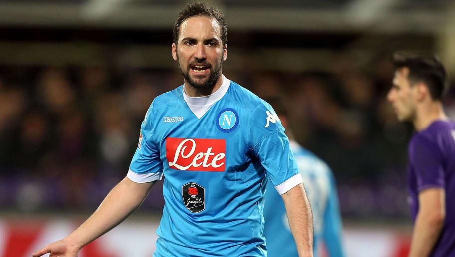 FLORENCE, ITALY - FEBRUARY 29: Gonzalo Higuain of SSC Napoli reacts during the Serie A match between ACF Fiorentina and SSC Napoli at Stadio Artemio Franchi on February 29, 2016 in Florence, Italy.  (Photo by Gabriele Maltinti/Getty Images)