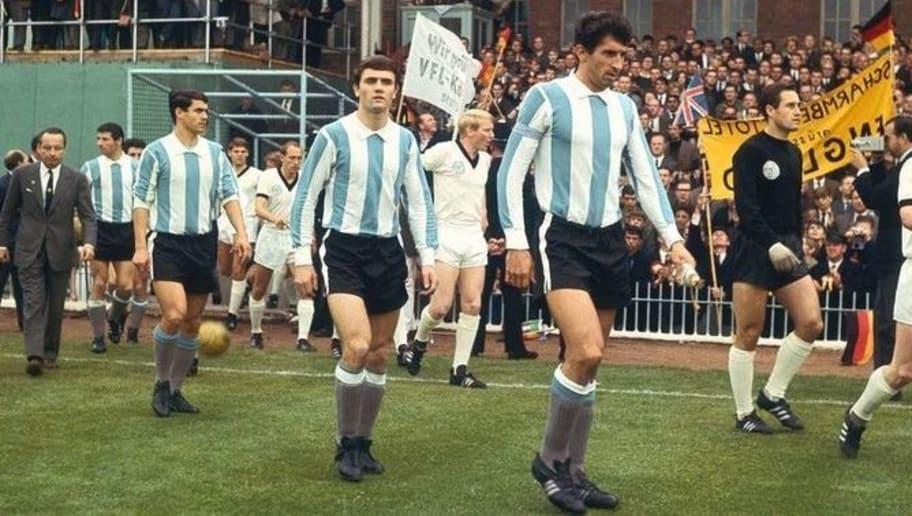 d0b60122d8c Todas las camisetas en la historia de la Selección Argentina
