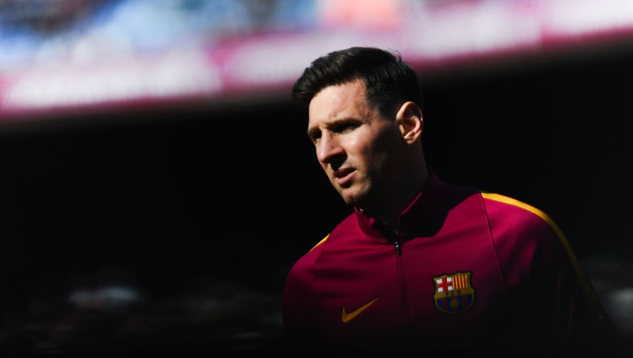 BARCELONA, SPAIN - MARCH 12:  Lionel Messi of FC Barcelona looks on during the warm up prior to the La Liga match between FC Barcelona and Getafe CF at Camp Nou on March 12, 2016 in Barcelona, Spain.  (Photo by David Ramos/Getty Images)