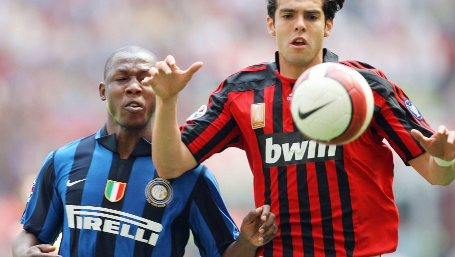 MILAN, ITALY - MAY 4: Nelson Enrique Rivas (L) of Inter and Ricardo Kaka of AC Milan compete during the Serie A match between Milan and Inter at the Stadio San Siro on May 4, 2008 in Milan, Italy. (Photo by New Press/Getty Images)