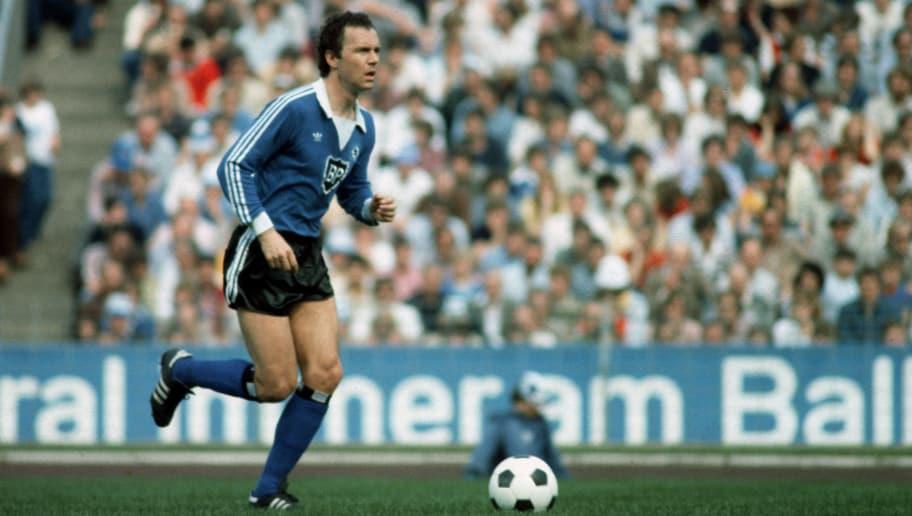 HAMBURG, GERMANY - MAY 29: Franz Beckenbauer of Hamburg in action during the Bundesliga match between Hamburger SV and Karlsruher SC at the Volksparkstadium on May 29, 1982 in Hamburg, Germany. (Photo by Lutz Bongarts/Bongarts/Getty Images)