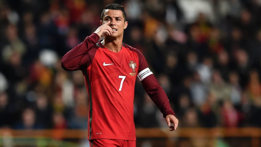 Portugal's forward Cristiano Ronaldo gestures during the EURO 2016 friendly football match Portugal vs Bulgaria at Magalhaes Pessoa stadium in Leiria on March 25, 2016. / AFP / FRANCISCO LEONG        (Photo credit should read FRANCISCO LEONG/AFP/Getty Images)