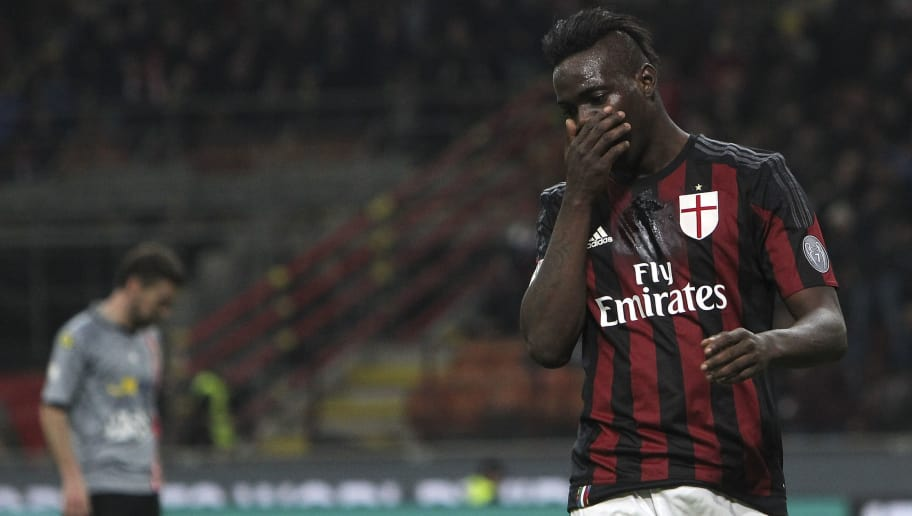 MILAN, ITALY - MARCH 01:  Mario Balotelli of AC Milan celebrates his goal during the TIM Cup match between AC Milan and US Alessandria at Stadio Giuseppe Meazza on March 1, 2016 in Milan, Italy.  (Photo by Marco Luzzani/Getty Images)