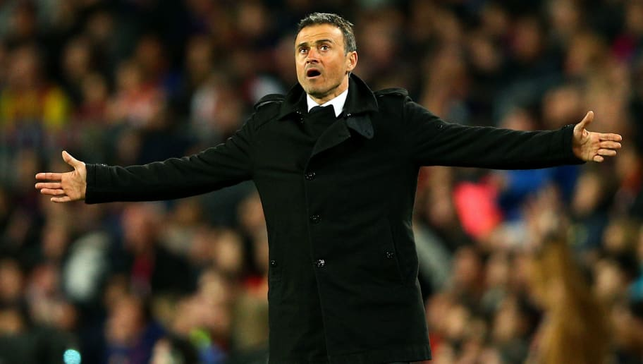 BARCELONA, SPAIN - APRIL 02:  Luis Enrique, Head Coach of FC Barcelona reacts on the touchline during the La Liga match between FC Barcelona and Real Madrid CF at Camp Nou on April 2, 2016 in Barcelona, Spain.  (Photo by Paul Gilham/Getty Images)