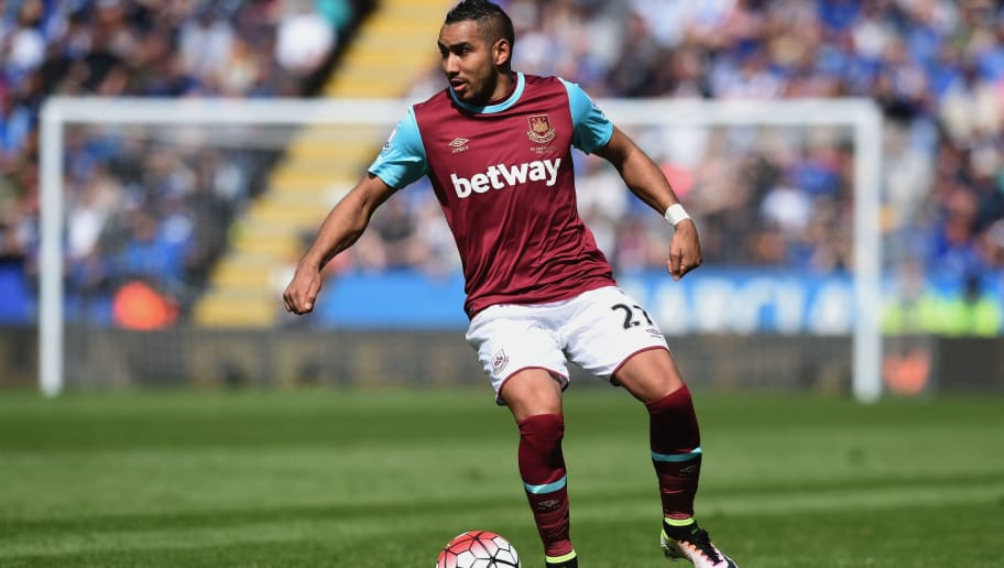 LEICESTER, ENGLAND - APRIL 17:  Dimitri Payet of West Ham United in action during the Barclays Premier League match between Leicester City and West Ham United at The King Power Stadium on April 17, 2016 in Leicester, England.  (Photo by Michael Regan/Getty Images)