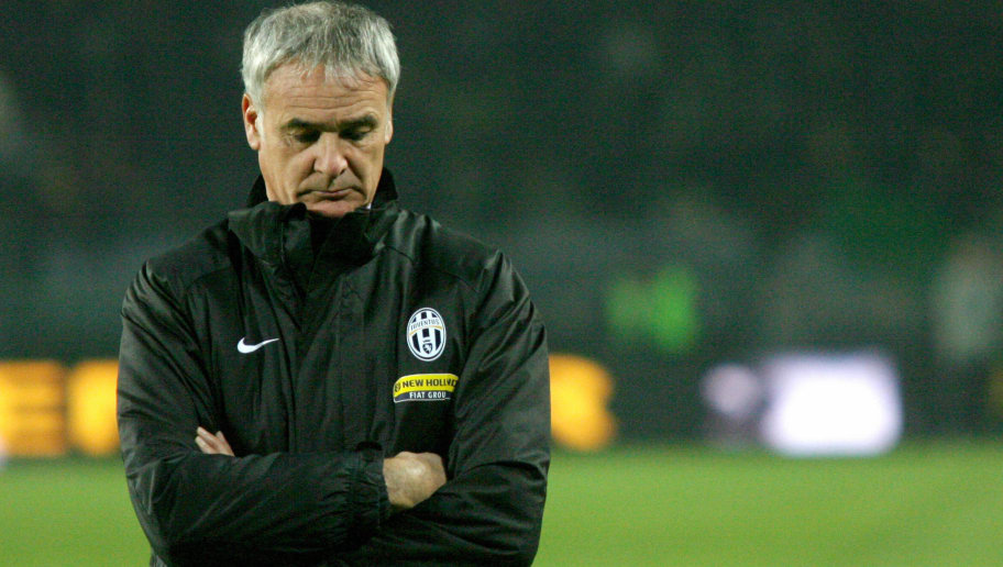 Juventus' coach Claudio Ranieri attends a training session prior to their Seria A match against Inter Milan at the Olympic stadium in Turin, 04 November  2007. AFP PHOTO / GIUSEPPE CACACE (Photo credit should read GIUSEPPE CACACE/AFP/Getty Images)