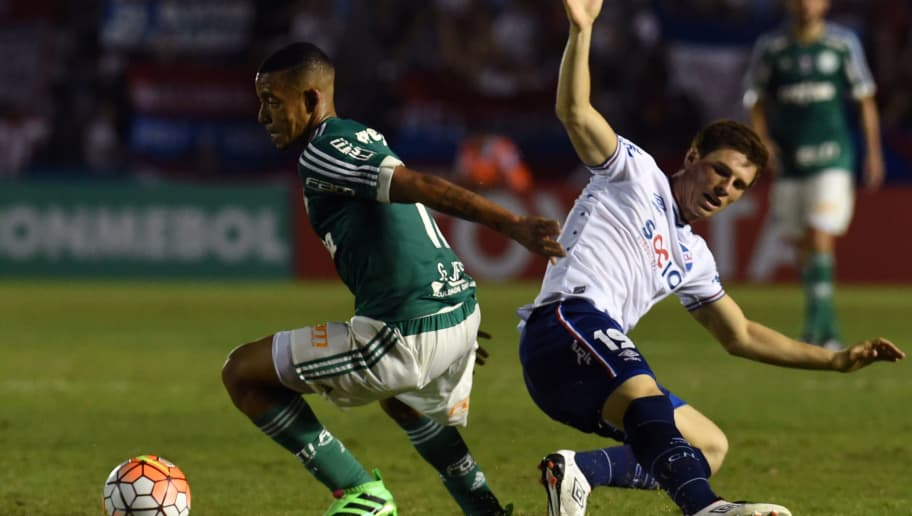 Brazilian Palmeiras' footballer Gabriel Jesus (L) vies for the ball with Uruguay's Nacional defender Santiago Romero during the Copa Libertadores football match at Gran Parque Central stadium in Montevideo on March 17, 2016. AFP PHOTO / Pablo PORCIUNCULA / AFP / PABLO PORCIUNCULA        (Photo credit should read PABLO PORCIUNCULA/AFP/Getty Images)