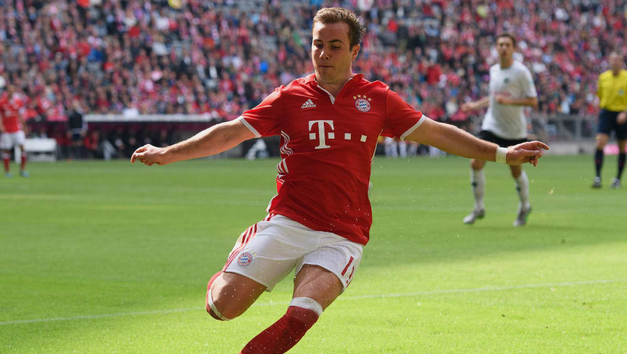 MUNICH, GERMANY - MAY 14:  Mario Goetze of Muench controls the ball during the Bundesliga match between FC Bayern Muenchen and Hannover 96 at Allianz Arena on May 14, 2016 in Munich, Germany.  (Photo by Matthias Hangst/Bongarts/Getty Images)