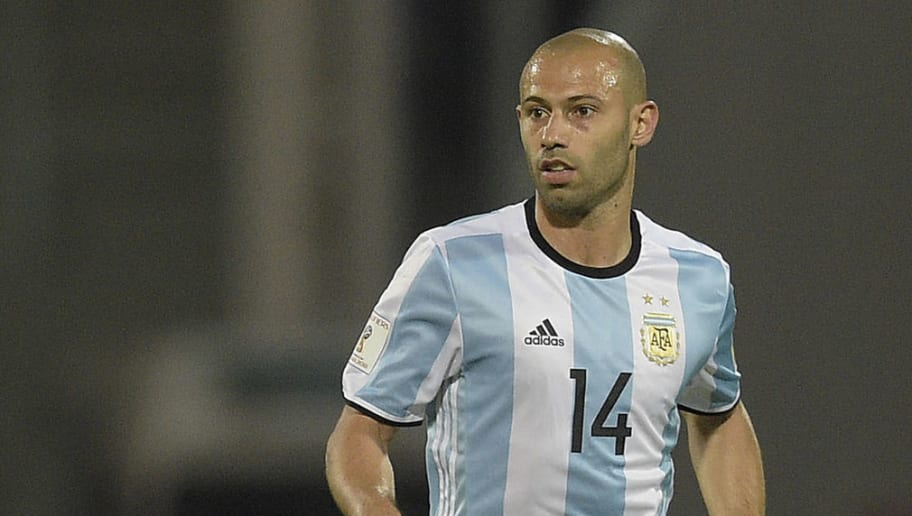 Argentina's  Javier Mascherano controls the ball during the Russia 2018 FIFA World Cup South American Qualifiers' football match against Bolivia in Cordoba, Argentina, on March 29, 2016.      AFP PHOTO / EITAN ABRAMOVICH / AFP / EITAN ABRAMOVICH        (Photo credit should read EITAN ABRAMOVICH/AFP/Getty Images)