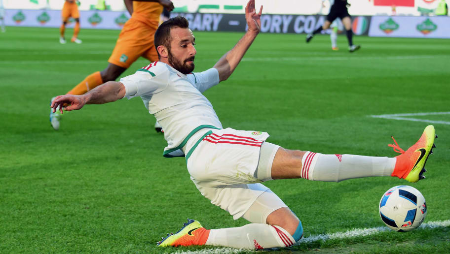 Hungary's Attila Fiola goes for the ball during the pre UEFA EURO 2016 friendly football match between Hungary and Ivory Coast in Budapest on May 20, 2016. / AFP / ATTILA KISBENEDEK        (Photo credit should read ATTILA KISBENEDEK/AFP/Getty Images)