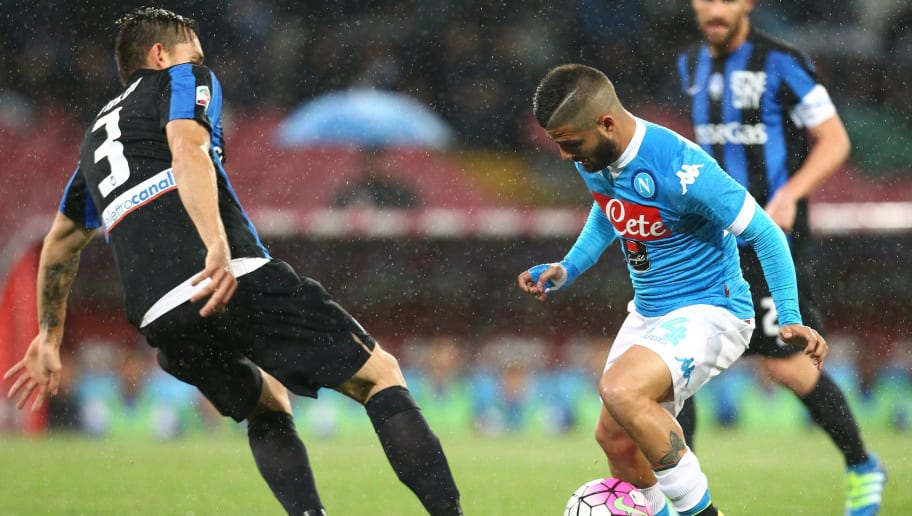 Napoli's Italian forward Lorenzo Insigne (R) vies for the ball with Atalanta's Brazilian defender Rafael Toloi during the Italian Serie A football match between SSC Napoli and Atalanta BC at San Paolo Stadium in Naples on May 2, 2016. / AFP / CARLO HERMANN        (Photo credit should read CARLO HERMANN/AFP/Getty Images)