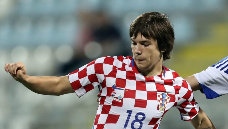 Croatia's midfilder Ante Coric runs with the ball during the friendly football match between Croatia and San Marino on June 4, 2016 in Rijeka. / AFP / STR        (Photo credit should read STR/AFP/Getty Images)