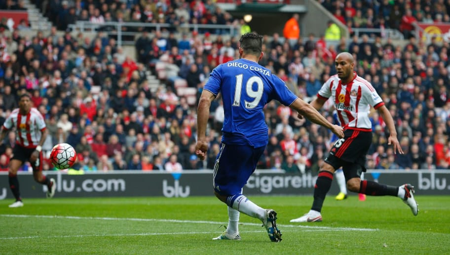 Chelsea's Brazilian-born Spanish striker Diego Costa (C) scores his team's first goal during the English Premier League football match between Sunderland and Chelsea at the Stadium of Light in Sunderland, northeast England on May 7, 2016. / AFP / LINDSEY PARNABY / RESTRICTED TO EDITORIAL USE. No use with unauthorized audio, video, data, fixture lists, club/league logos or 'live' services. Online in-match use limited to 75 images, no video emulation. No use in betting, games or single club/league/player publications.  /         (Photo credit should read LINDSEY PARNABY/AFP/Getty Images)