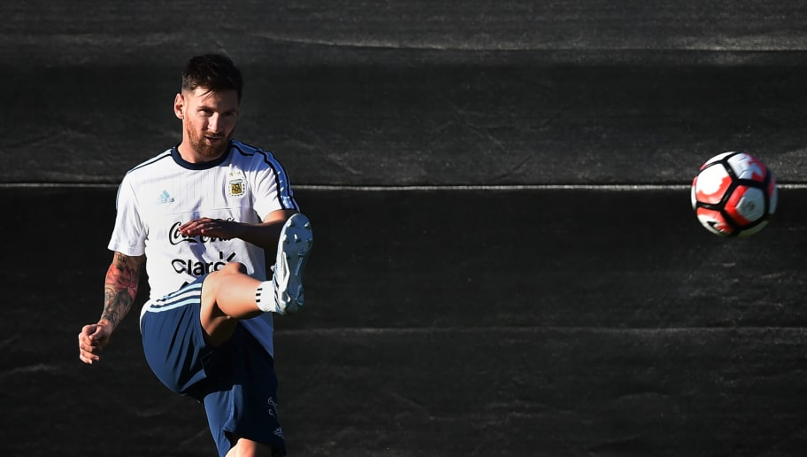 Lionel Messi trains with the Argentina national team at the San Jose State University before their upcoming COPA America 2016 soccer match against Chile in San Jose, California on June 5, 2016. The two teams will play on June 6 at the Levi's Stadium in Santa Clara. / AFP / Mark Ralston        (Photo credit should read MARK RALSTON/AFP/Getty Images)