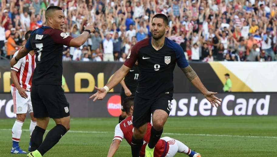 USA's Clint Dempsey celebrates after scoring against Paraguay during the Copa America Centenario football tournament in Philadelphia, Pennsylvania, United States, on June 11, 2016.  / AFP / Don EMMERT        (Photo credit should read DON EMMERT/AFP/Getty Images)